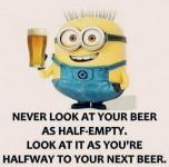 Du skal ikke være deprimeret over en halvtom øl