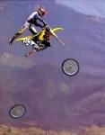 Offroader taber hjul i luften
